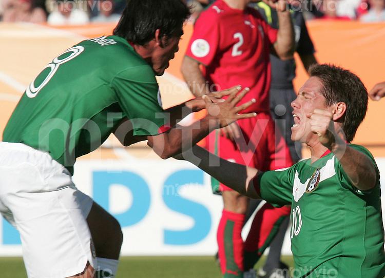 FussballInternational WM 2006 Vorrunde Mexiko-Iran Jubel zu 1: 0 von Pael Parado (MEX) und Guillerm Franco (MEX)