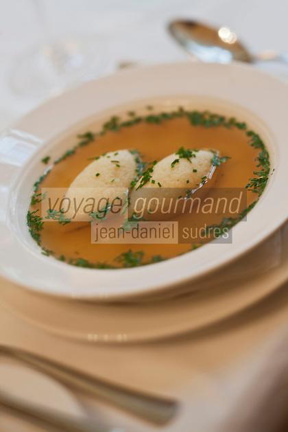 Europe/Autriche/Niederösterreich/Vienne: Au restaurant Weibel's Wirtshaus - Rindsuppe, Bouillon de boeuf avec des quenelles de semoule