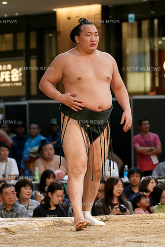 Sumo wrestler Chiyoshoma Fujio participates in a special Grand Sumo Tournament held in the KITTE commercial complex located in front of Tokyo Station on August 27, 2017, Tokyo, Japan. Hakkiyoi KITTE is a sumo themed event where wrestlers take part in a special tournament to promote the culture of sumo wrestling. (Photo by Rodrigo Reyes Marin/AFLO)