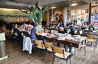 Nederland  Amsterdam 2016. The Coffeecompany op het Javaplein. Foto Berlinda van Dam / Hollandse Hoogte