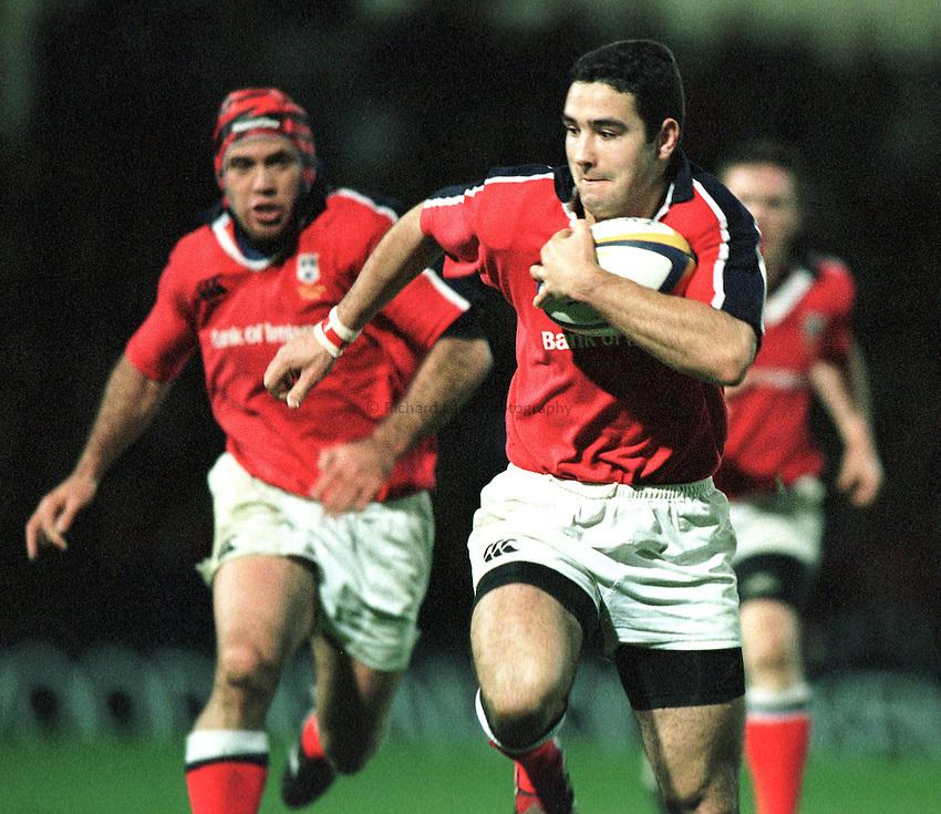 Photo. Richard Lane.Saracens v Munster, Heineken Cup. 28/11/1999..Munster full back.
