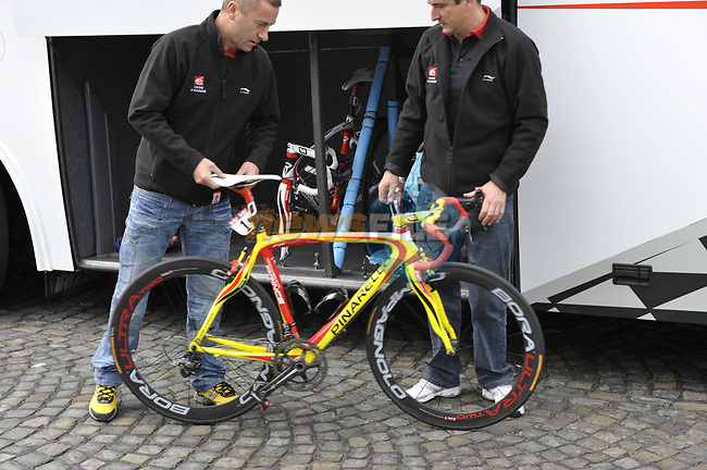 Caisse D'Epargne team mechanics prepare Alejandro Valverde's Pinarello Prince bike before the start of the Liege-Bastogne-Liege cycle race. 26th April 2009 (Photo by Eoin Clarke/NEWSFILE)
