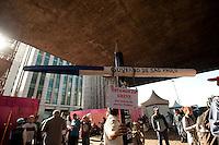 SÃO PAULO, SP, 29.05.2015 - PROFESSORES-SP - Professores em greve realizam assembléia sobre a continuidade da greve, no vão do MASP na avenida Paulista, região central da cidade nessa sexta-feira 29 .( Foto: Gabriel Soares/Brazil Photo Press)