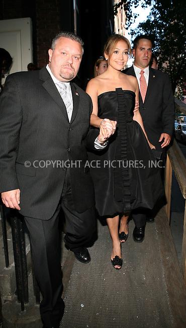 Jennifer Lopez attends the Oscar De La Renta show during fashion week in NYC...September 10,2008.NO BYLINE.Tim Grant