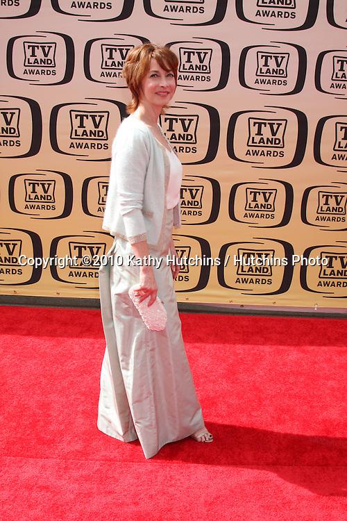 Sharon Lawrence.arrives at the 2010 TV Land Awards.Sony Studios.Culver City, CA.April 17, 2010.©2010 Kathy Hutchins / Hutchins Photo...