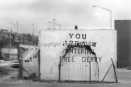 Bogside derry 1970s you are now entering free derry wall for Telephone mural 1970
