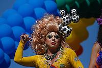 SAO PAULO, SP, 04.05.2014 - 18* PARADA DO ORGULHO LGBT - Participante,  durante o Festival do  Orgulho LGBT na tarde deste Domingo, 4 na Avenida Paulista, regiao central da  cidade de São Paulo. (Foto: Andre Hanni /Brazil Photo Press).