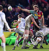 3rd December 2017, Twickenham Stoop, London, England; Aviva Premiership rugby, Harlequins versus Saracens; Chris Robshaw of Harlequins tries to block the kick from Richard Wigglesworth of Saracens