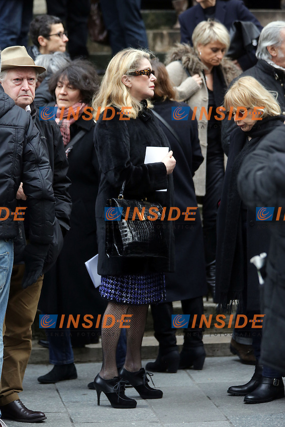 Catherine DENEUVE<br /> Parigi 19/12/2013 Funerali di Kate Barry. <br /> Photo Philippe Sterc / Panoramic / Insidefoto