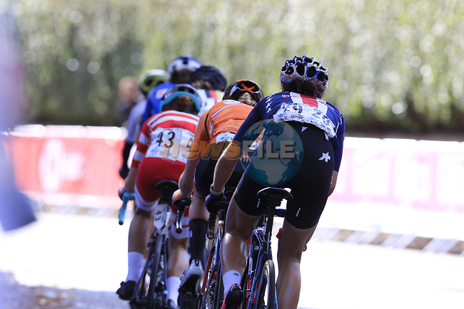 The first chase group led by Elisa Longo Borghini (ITA) with Elizabeth Deignan (GBR), Amanda Spratt (AUS), Marta Bastianelli (ITA), Anna Van Der Breggan (NED) and Chloe Dygert (USA) during the Women Elite Road Race of the UCI World Championships 2019 running 149.4km from Bradford to Harrogate, England. 28th September 2019.<br /> Picture: Eoin Clarke | Cyclefile<br /> <br /> All photos usage must carry mandatory copyright credit (© Cyclefile | Eoin Clarke)