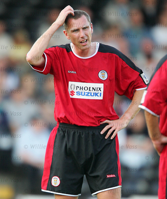 Kevin McGowne, St Mirren.stock season 2004-2005.pic willie vass