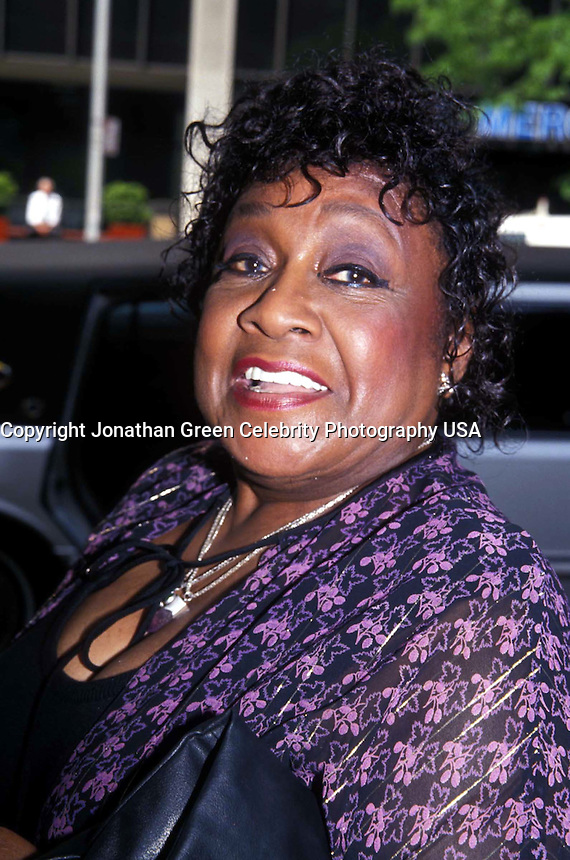 THE JEFFERSONS REUNITE ON JOAN RIVERS SHOW.ISABEL SANFORD 1993<br /> By Jonathan Green