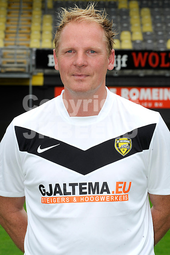 VEENDAM - SC Veendam, Jupiler League, seizoen 2011-2012, 20-7-2011 , keepertrainer Henk ter Arkel.