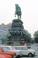 East Berlin : Frederick the Great--statue. Unter Den Linden.