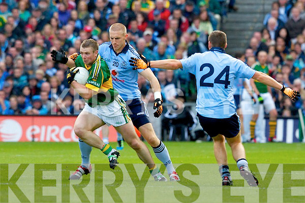 Tomas O'Se Kerry v Eoghan O'Gara Dublin All Ireland Senior Football Final 2011 in Croke Park on Sunday 18th September 2011.