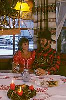 Europe/Autriche/Tyrol/Axams: Après-midi de Noël chez Mr Ehrensperger fermeir et tourisme équestre - AUTORISATION N°A26<br /> PHOTO D'ARCHIVES // ARCHIVAL IMAGES<br /> FRANCE 1980