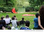 LA FEUILLE<br /> <br /> avec Nicola Floc'h, emmanuelle Huynh et Nuno Bizarro<br /> Compagnie : MUA<br /> Cadre : festival des fabriques<br /> Lieu : Parc Jean-Jacques Rousseau<br /> Ville : Ermenonville<br /> Le 08/06/2013<br /> © Laurent Paillier / photosdedanse.com