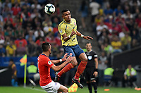 SAO PAULO – BRASIL, 28-06-2019: William Tesillo de Colombia disputa el balón con Mauricio Isla de Chile durante partido por cuartos de final de la Copa América Brasil 2019 entre Colombia y Chile jugado en el Arena Corinthians de Sao Paulo, Brasil. / William Tesillo of Colombia vies for the ball with Mauricio Isla of Chile during the Copa America Brazil 2019 quarter-finals match between Colombia and Chile played at Arena Corinthians in Sao Paulo, Brazil. Photos: VizzorImage / Julian Medina / Cont /