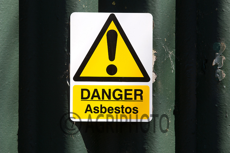 Danger Asbestos warning sign.Picture Tim Scrivener 07850 303986.tim@agriphoto.com.?.covering agriculture in the UK?.