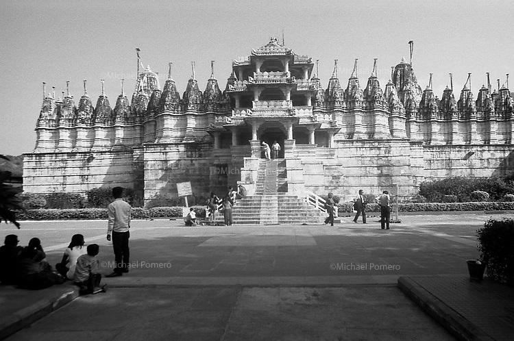 11.2010 Ranakpur (Rajasthan)<br /> <br /> Jain temple of Ranakpur.<br /> <br /> Temple jain de Ranakpur.