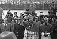 - entance of new Archbishop, Cardinal Carlo Maria Martini in Milan (February 1980) ....- ingresso del nuovo Arcivescovo, Cardinale Carlo Maria Martini a Milano (febbraio 1980)