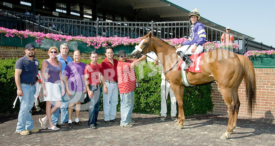 Dixie Shea winning at Delaware Park on 6/15/11