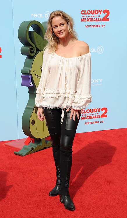 """Teri Polo at the Los Angeles Premiere of """"Cloudy With a Chance of Meatballs 2"""" held at the Regency Village Theatre on September 21, 2013"""