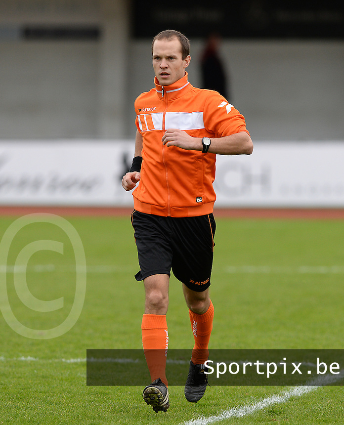 R Knokke FC - Pepingen  : scheidsrechter Christophe Windels<br /> Foto VDB / Bart Vandenbroucke