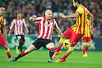 BILBAO.ESPAÑA.FÚTBOL.<br /> Partido de La Liga BBVA entre el Ath.Club y el Barça , a 01/12/2013.<br /> En la imagen :<br /> 2Gaizka Toquero (Athletic Bilbao)<br /> 16Sergio Busquets (FC Barcelona)