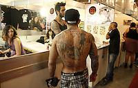 SAO PAULO, SP, 19/07/2014  - Segundo dia da Tattoo Week que acontece neste sabado (19), no pavilhão Amarelo do Expo Center Norte em São Paulo.  Foto: Amauri Nehn/Brazil Photo Press).