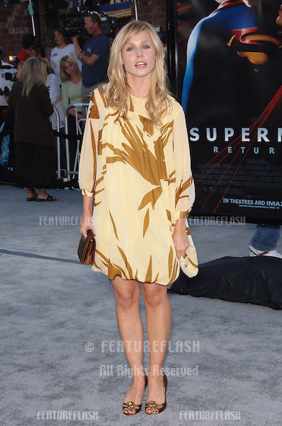 "Actress KRISTEN BELL at the world premiere of ""Superman Returns"" in Los Angeles..June 21, 2006  Los Angeles, CA.© 2006 Paul Smith / Featureflash"