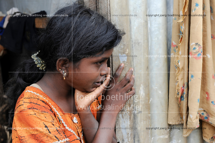 "Suedasien Asien Sri Lanka Trincomalee, Tamilen werden  nach dem Krieg der singhalesische Armee und Regierung gegen die LTTE Tamil Tiger in IDP camps interniert , umgesiedelt und als Menschen 2. Klasse behandelt. - Fluechtlinge Tamilen Buergerkrieg Ethnie Ethnische Konflikte | .South Asia Sri Lanka Trincomalee, tamil refugees are kept by the singhalese government and army after the war against the LTTE Tamil Tigers in IDP camps.  .| [ copyright (c) Joerg Boethling / agenda , Veroeffentlichung nur gegen Honorar und Belegexemplar an / publication only with royalties and copy to:  agenda PG   Rothestr. 66   Germany D-22765 Hamburg   ph. ++49 40 391 907 14   e-mail: boethling@agenda-fototext.de   www.agenda-fototext.de   Bank: Hamburger Sparkasse  BLZ 200 505 50  Kto. 1281 120 178   IBAN: DE96 2005 0550 1281 1201 78   BIC: ""HASPDEHH"" ,  WEITERE MOTIVE ZU DIESEM THEMA SIND VORHANDEN!! MORE PICTURES ON THIS SUBJECT AVAILABLE!! ] [#0,26,121#]"