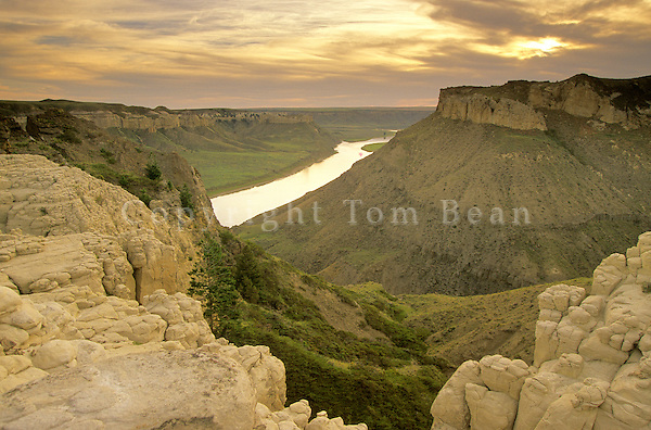 Bluffs above Mile 65 at sunset along Upper Missouri Wild and Scenic River, Montana,.AGPix_0181.