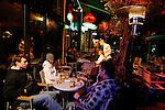 20080109 - France - Aquitaine - Pau<br /> LES CAFES DU BOULEVARD DES PYRENEES A PAU, TRES ANIMES.<br /> Ref : PAU_064.jpg - © Philippe Noisette.