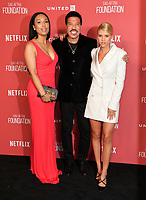 Lionel Richie, Lisa Parigi &amp; Sofia Richie at the SAG-AFTRA Foundation's Patron of the Artists Awards at the Wallis Annenberg Center for the Performing Arts. Beverly Hills, USA 09 November  2017<br /> Picture: Paul Smith/Featureflash/SilverHub 0208 004 5359 sales@silverhubmedia.com