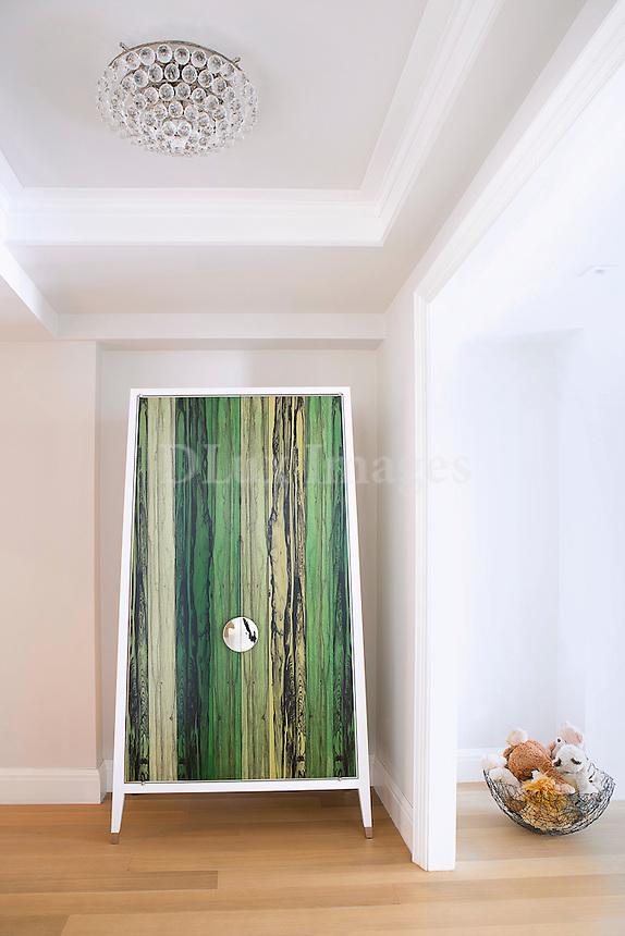 Green room divider