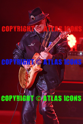 HOLLYWOOD FL - OCTOBER 28: Carlos Santana performs at Hard Rock Live held at the Seminole Hard Rock Hotel & Casino on October 28, 2017 in Hollywood, Florida. : Credit Larry Marano © 2017