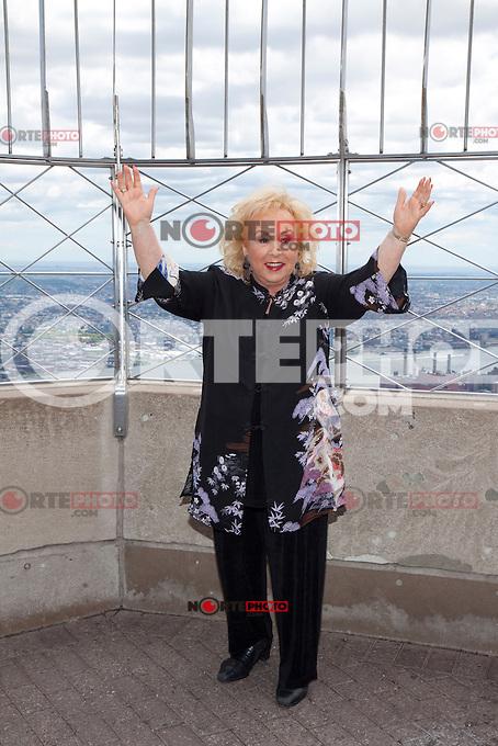 Doris Roberts at the Empire State Building for TYLER PERRY'S MADEA'S WITNESS PROTECTION in New York City.   June 26, 2012 &copy; Laura Trevino/Media Punch Inc. *NORTEPHOTO*<br /> <br /> **SOLO*VENTA*EN*MEXICO** **CREDITO*OBLIGATORIO** *No*Venta*A*Terceros* *No*Sale*So*third* *** No Se Permite Hacer Archivo** *No*Sale*So*third*&Acirc;&copy;Imagenes con derechos de autor,&Acirc;&copy;todos reservados. El uso de las imagenes est&Atilde;&iexcl; sujeta de pago a nortephoto.com El uso no autorizado de esta imagen en cualquier materia est&Atilde;&iexcl; sujeta a una pena de tasa de 2 veces a la normal. Para m&Atilde;&iexcl;s informaci&Atilde;&sup3;n: nortephoto@gmail.com* nortephoto.com.