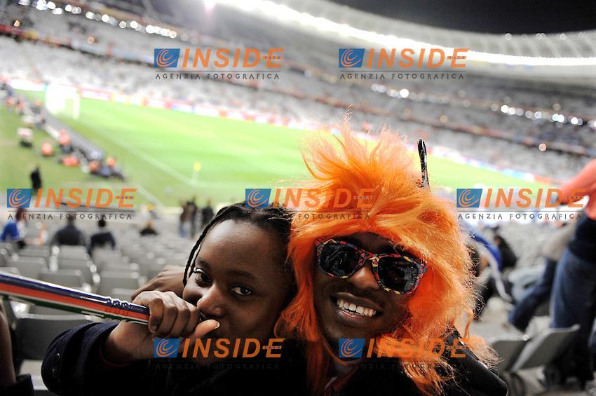 Tifosi Supporters dell'Olanda<br /> Uruguay Olanda - Uruguay vs Netherlands<br /> Semifinale - Semifinal<br /> Campionati del Mondo di Calcio Sudafrica 2010 - World Cup South Africa 2010<br /> Green Point Stadium, Cape Town  06/07/2010<br /> &copy; Giorgio Perottino / Insidefoto
