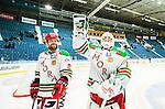 Stockholm 2014-09-27 Ishockey Hockeyallsvenskan AIK - Mora IK :  <br /> Moras Kevin Mitchell och m&aring;lvakt Dan Bakala &auml;r glada efter matchen och segern &ouml;ver AIK <br /> (Foto: Kenta J&ouml;nsson) Nyckelord:  AIK Gnaget Hockeyallsvenskan Allsvenskan Hovet Johanneshovs Isstadion Mora MIK jubel gl&auml;dje lycka glad happy
