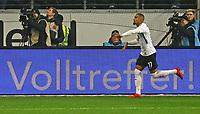 celebrate the goal, Torjubel zum 1:0 von Kevin-Prince Boateng (Eintracht Frankfurt) - 26.01.2018: Eintracht Frankfurt vs. Borussia Moenchengladbach, Commerzbank Arena