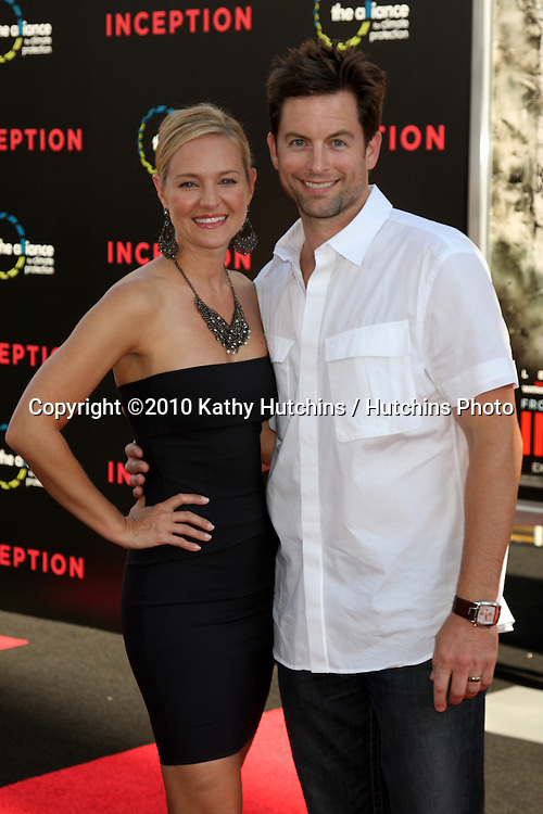 LOS ANGELES - JUL 13:  Sharon Case & Michael Muhney arrive at the Inception Premiere at Grauman's Chinese Theater on July13, 2010 in Los Angeles, CA ....