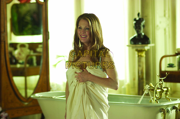 Laws of Attraction (2004) <br /> Julianne Moore<br /> *Filmstill - Editorial Use Only*<br /> CAP/KFS<br /> Image supplied by Capital Pictures
