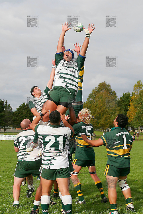 Though Manurewa flanker R. Aiono goes high he is unable to take the ball. Counties Manukau Premier Club Rugby, Pukekohe v Manurewa  played at the Colin Lawrie field, on the 17th of April 2006. Manurewa won 20 - 18.