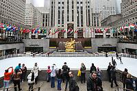 NEW YORK, NY, 04.04.2017 - ROCKEFELLER-PATINAÇÃO - Vista da pista de patinação no gelo do Rockefeller Center em New York nesta terça-feira, 04. A atração vai até o próximo dia 16 de abril de 2017.(Foto: William Volcov/Brazil Photo Press)