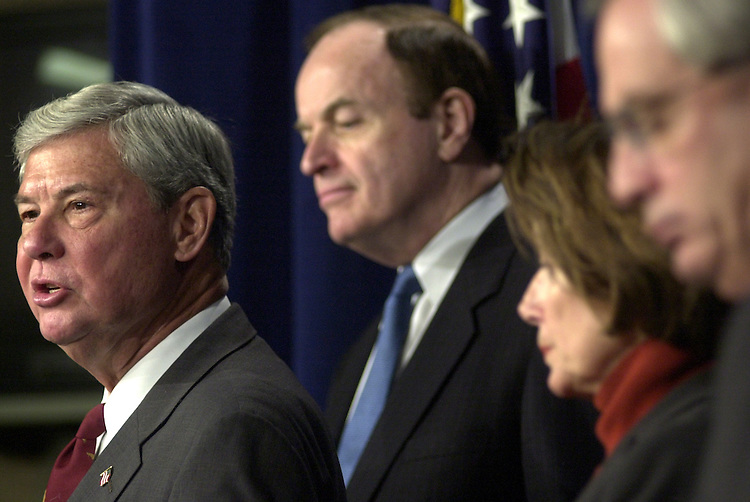 sept11pc6/121102 - Sen. Bob Graham, D-Fl. (L); Sen. Richard Shelby, R-Al.; Rep. Nancy Pelosi, D-Ca.; and Rep. Porter Goss, R-Fl., at a press conference announcing the findings of the Joint Intelligence inquiry into Sept. 11.