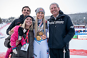 10th February 2019, Are, Sweden; Alpine skiing: Combination, ladies: downhill; Lindsey Vonn from the USA poses after the race with the medals from her career together with her family. (l-r) Brother Reed Kildow, sister Karin Kildow, dog Lucy and father Alan Kildow.