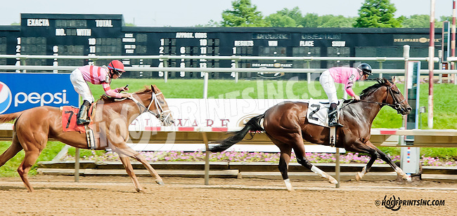 Makayla's Angel winning at Delaware Park on 6/12/13