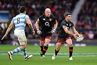 George Ford of England passes the ball. Old Mutual Wealth Series International match between England and Argentina on November 11, 2017 at Twickenham Stadium in London, England. Photo by: Patrick Khachfe / Onside Images
