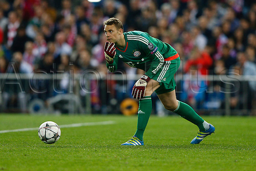 27.04.2016. Madrid, Spain.  Manuel Neuer (1) Bayern Munich puts the ball back in play. UEFA Champions League Champions League between Atletico Madrid and Bayern Munich at the Vicente Calderon stadium in Madrid, Spain, April 27, 2016 .
